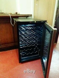 Professional Wine Cooler Fridge by Samsung 28 Bottles Black/Aluminium